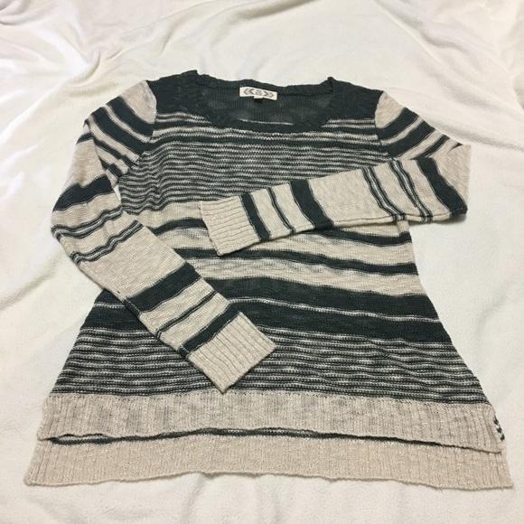 💐Open weave crewneck sweater w/split hemline 🌼